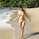 【ヌード画像】南の島の美少女たちが解放的スギw(30枚)