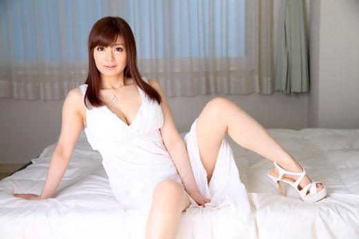 【ヌード画像】新山沙弥の綺麗な色白素肌をじっくり鑑賞したいw(30枚)