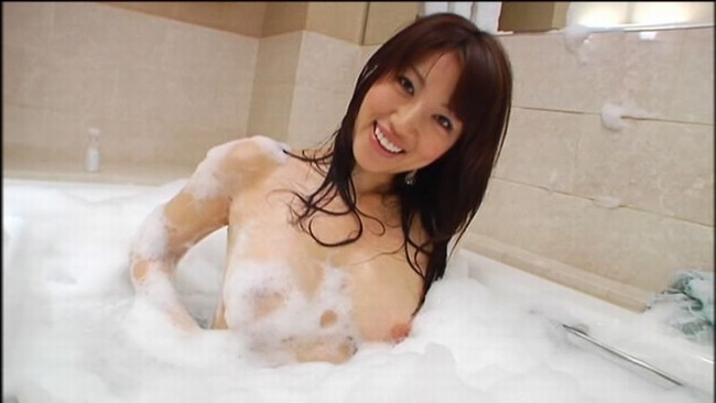 【ヌード画像】美女の泡まみれ姿が鬼シコれるw(35枚)