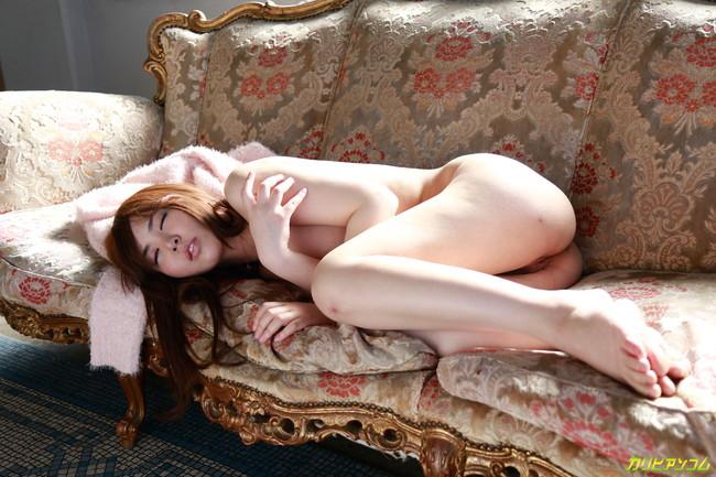【ヌード画像】肉厚的な唇がエロい大空美緒のヌード画像(30枚)