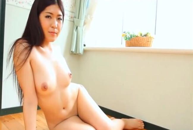 【ヌード画像】白川千織の妖艶な人妻美熟女ヌード画像(30枚)