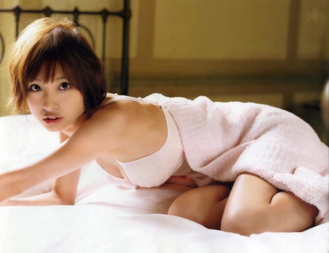 【ヌード画像】AKB卒業生、篠田麻里子のスレンダーなセクシーグラビア画像(30枚)