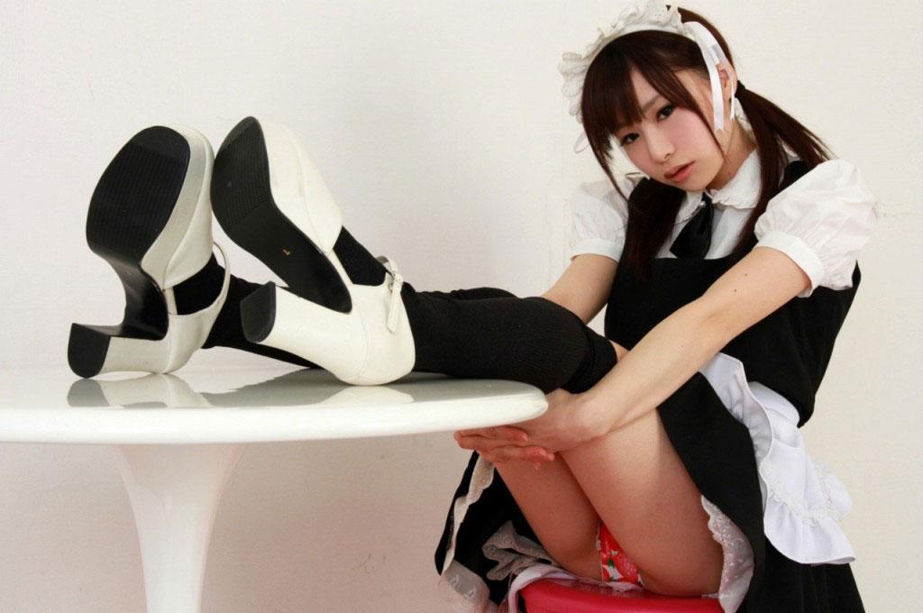 【ヌード画像】萌えるメイドさんのエロ可愛いセミヌード画像(30枚)