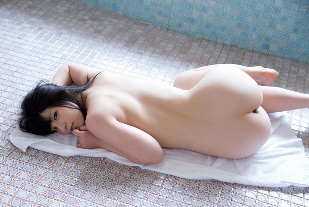 【ヌード画像】背中とくびれが語る、その女性のエロさ(30枚)