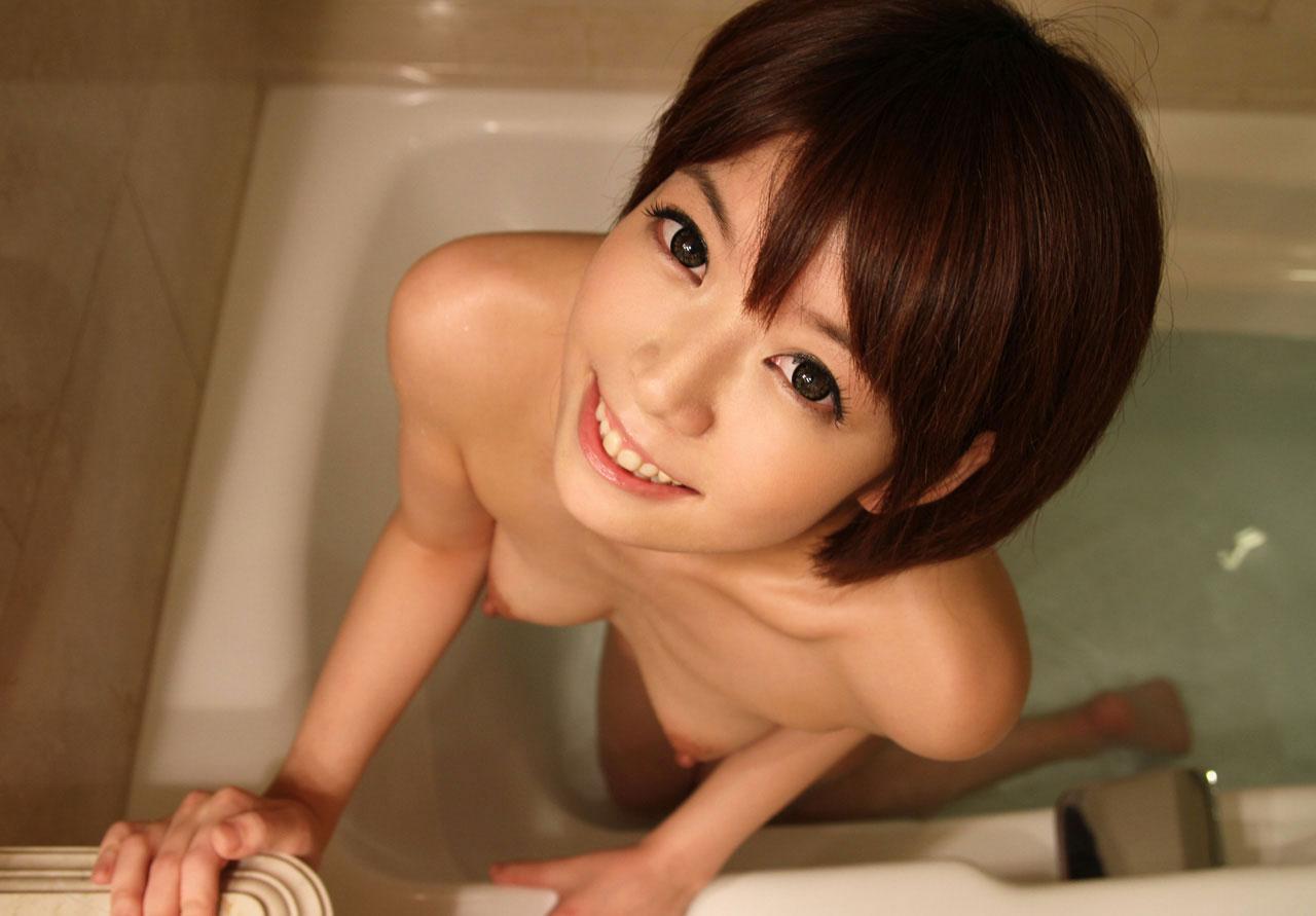 【ヌード画像】全裸でお風呂に浸かる女の子の画像(33枚)