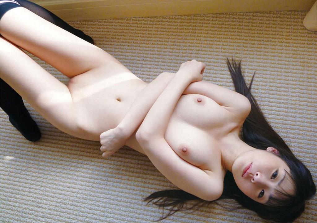 【ヌード画像】守ってあげたくなる色白女子のヌード画像(30枚)