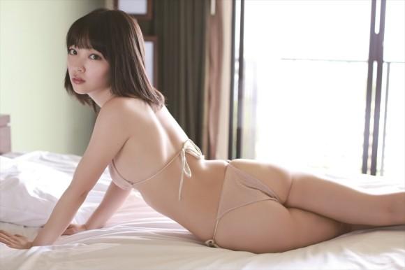 【ヌード画像】清楚なお嬢様系タレント安藤遥さんの水着画像(30枚)