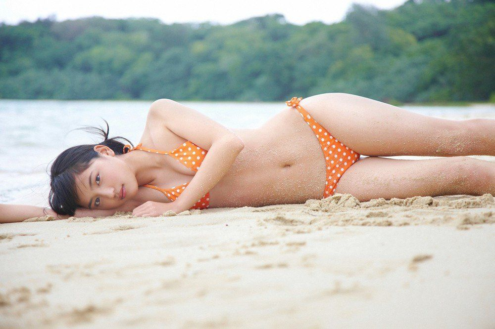 【ヌード画像】川口春奈の水着や下着のグラビア集めたら、かわいすぎてエロすぎて愛さずにはいられなくなってしまった・・・的画像集(50枚)