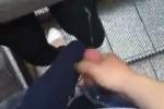 【盗撮動画】やりすぎ盗撮動画!チ○コ出してエスカレーターに乗り、前にいる女性にぶっかけて逃げてる盗撮動画ww【無修正】