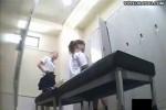 【盗撮動画】JK更衣室盗撮。二人組のスレンダーJK。楽しい会話をしながら体操服から制服に着替えるところをばっちりとらえました!