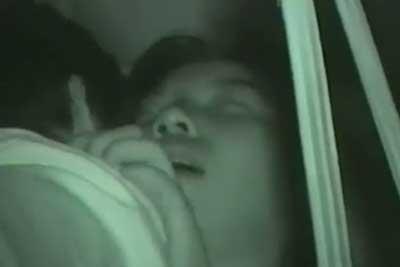 【盗撮動画】カーセックス発見!こんな時のために持っていた赤外線カメラで早速盗撮開始ww彼女のアヘ顔超リアル!【無修正】