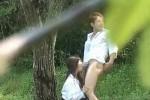 【盗撮動画】激スゴ!林の中でフェラしてたと思ったらもう我慢できずに挿入しちゃった高校生カップルの盗撮に成功しました!w