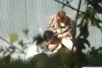 【盗撮動画】人気のいない空き地から高校生カップルの楽しそうな声が!近づいて茂みの中から盗撮してたら案の定セックス始めてくれましたよww