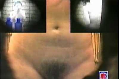 【盗撮動画】海の家のシャワー室に隠しカメラ仕掛けちゃった!さわやか素人女子大生の全裸シャワーシーンをマルチアングルでお楽しみくださいww