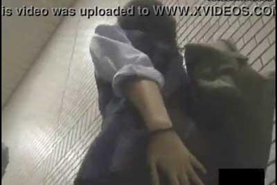 【盗撮動画】駅構内やデパートで見つけた超かわいいJKばかりを狙ったローアングルパンチラ盗撮集!スカートを手で抑えても無駄ですww