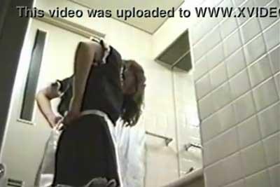 【盗撮動画】ついにヤっちまった!メイドカフェのロッカールームに隠しカメラを仕掛けてバイトの激カワ素人メイドちゃんのナマ着替えを完全盗撮!!w
