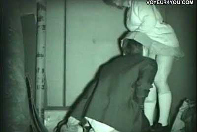 【盗撮動画】部活終わりで真っ暗になった校舎の裏側でセックスしちゃってるJKカップルを発見したので、赤外線カメラで一部始終を盗撮させていただきましたww