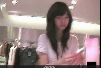 【盗撮動画】こんな超かわいい店員さんがアパレルショップにいたので、隠しカメラ忍ばせてずっと張り込んでたらついにゲットしました彼女のパンチラww