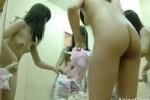 【盗撮動画】某ダンス教室に隠しカメラを仕掛けちゃって、そこの生徒さんであるスレンダーな美少女が全裸になって着替えてる一部始終を隠し撮り!ww