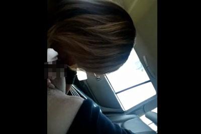 【盗撮動画】いつもドライブデートすると彼女に車の中でフェラしてもらってるんだけど、今日は車内にカメラ仕掛けて彼女のねっとりフェラ盗撮しちゃいましたw【無修正】