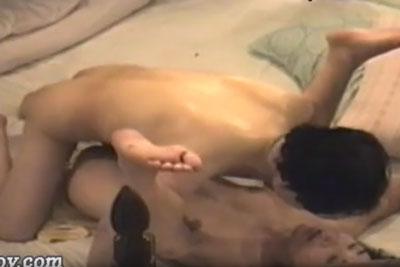 【盗撮動画】ラブホテル従業員が部屋に隠しカメラを仕掛けて,中年オヤジと若い人妻との不倫セックスの一部始終を盗撮しちゃった!【無修正】
