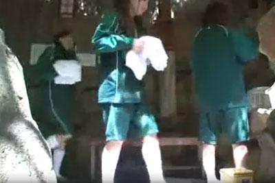 【盗撮動画】とある温泉旅館の露天風呂に隠しカメラを仕掛けたら、なんと修学旅行のジャージJKが入浴してるところ撮れちゃってラッキーすぎて感無量!ww