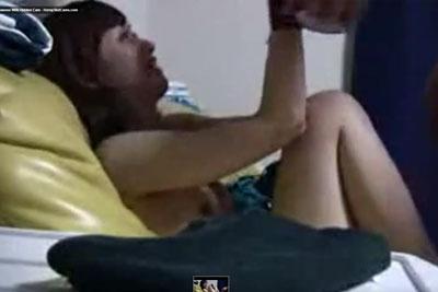 【盗撮動画】今日彼女と自宅でセックスするのですが、いつも一緒じゃつまらないので今日はビニールテープ手首に巻いてプレイしちゃって、内緒で隠し撮りもしちゃいましたw