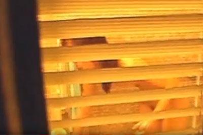 【盗撮動画】このお宅のお風呂場ウケるぐらい覗きやすいんですけど。素人お嬢さんの無防備なシャワーシーンを完全盗撮してやりましたw