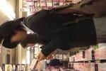 【盗撮動画】ブック・〇フでマンガ立ち読みしまくってる腐女子的な素人制服JK。後ろに回ってパンティー盗撮したら腐女子っぽい柄でしたww