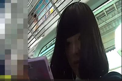 【盗撮動画】電車とかで超カワイイJK見つけるとまずは顔を盗撮して、その後尾行してパンティー盗撮しちゃうボクw