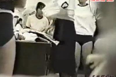 【盗撮動画】絶滅の危機にあるブルマの学校。そんな学校の女子生徒が体操服に着替えてる教室に隠しカメラを仕掛けて完全盗撮!