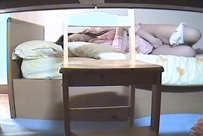【盗撮動画】お兄ちゃんが素人JK妹の部屋の勉強机の下に隠しカメラを仕掛けたら、想像以上にエロい経験豊富なねっとりオナニーが撮れちゃった件w