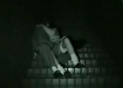 【盗撮動画】スゲェ!深夜の公園の階段のところで制服JKのカップルがセックスしてるの発見したんで盗撮!超激しい手マンとかフェラとか挿入とか全部ヤリきってましたw