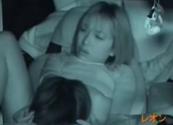 【盗撮動画】カーセックスしてるの発見したんで盗撮してみたら、超カワイイ彼女でパンティーずらして挿入しててウラヤマしすぎw