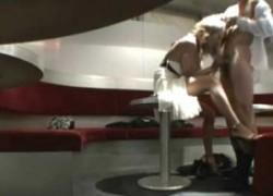 【盗撮動画】やたらと早く出勤しているキャバ嬢と従業員がいるので隠しカメラ仕掛けてみたら、案の定店の中でヤってやがった盗撮動画ww